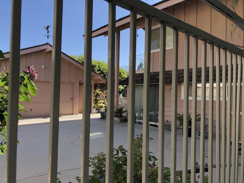 brady house fence