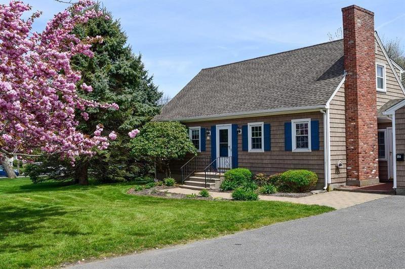 Cape Cod house in Birstol, Rhode Island