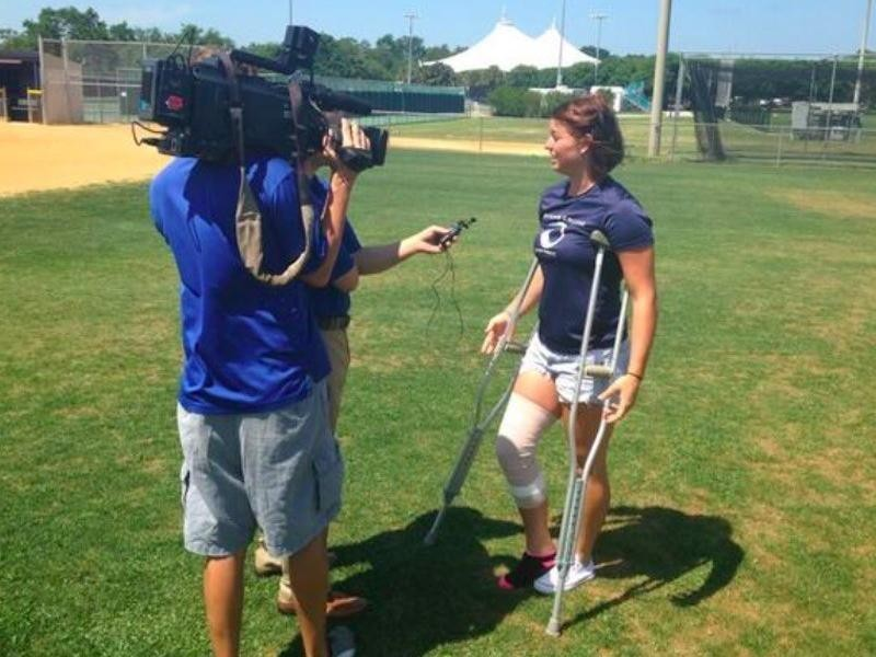 Kara Oberer speaking to Fox News reporters after her injury