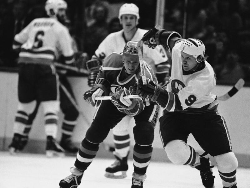 Butch Goring in action with Wayne Gretzsky