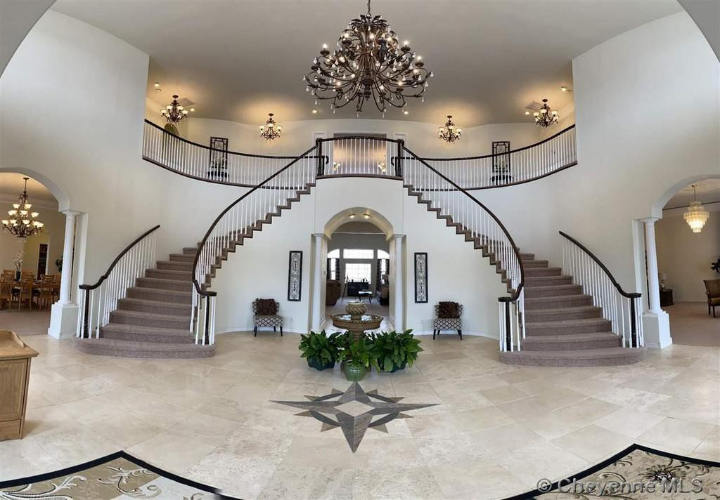 Butterfly staircase