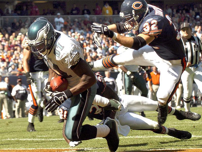 Terrell Owens scores touchdown against the Chicago Bears