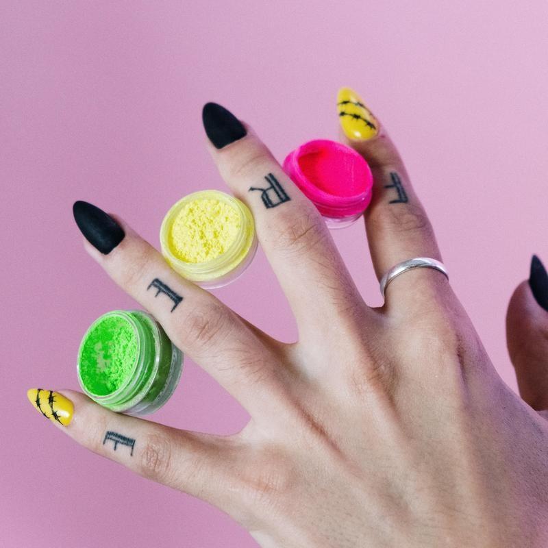 """FREE"" Finger Tattoos"