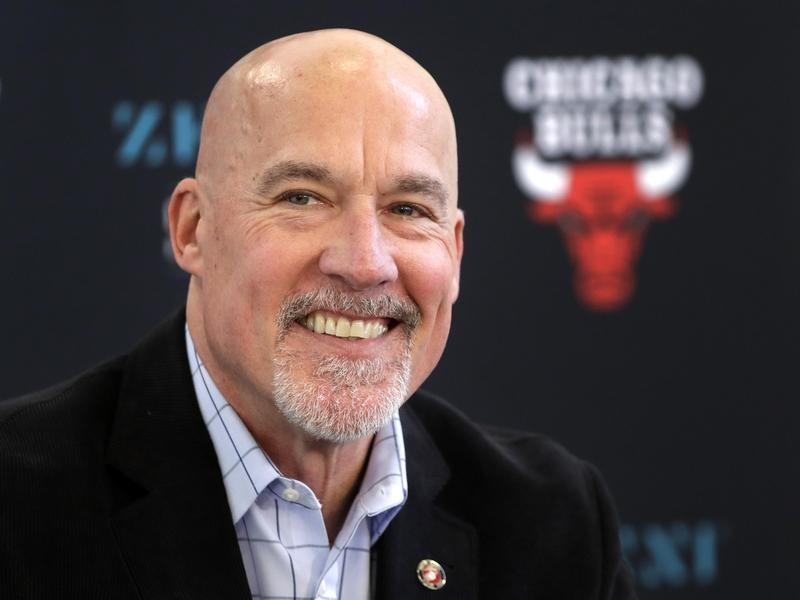 John Paxson representing Chicago Bulls smiles at end of season news conference