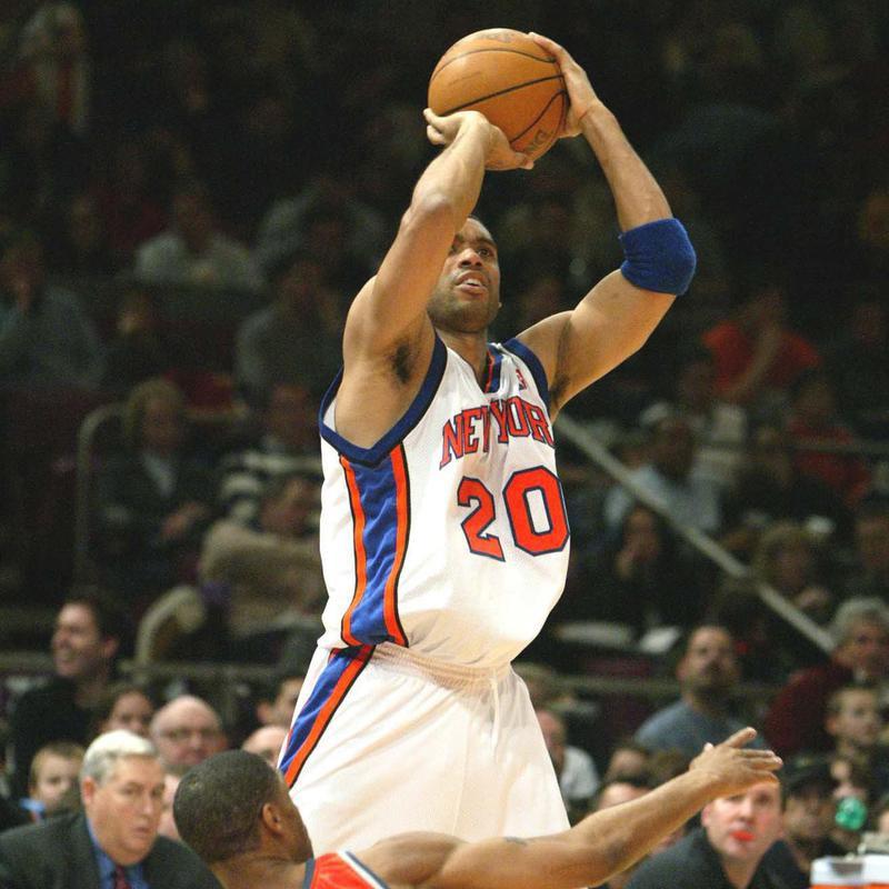 New York Knicks' Allan Houston takes shot