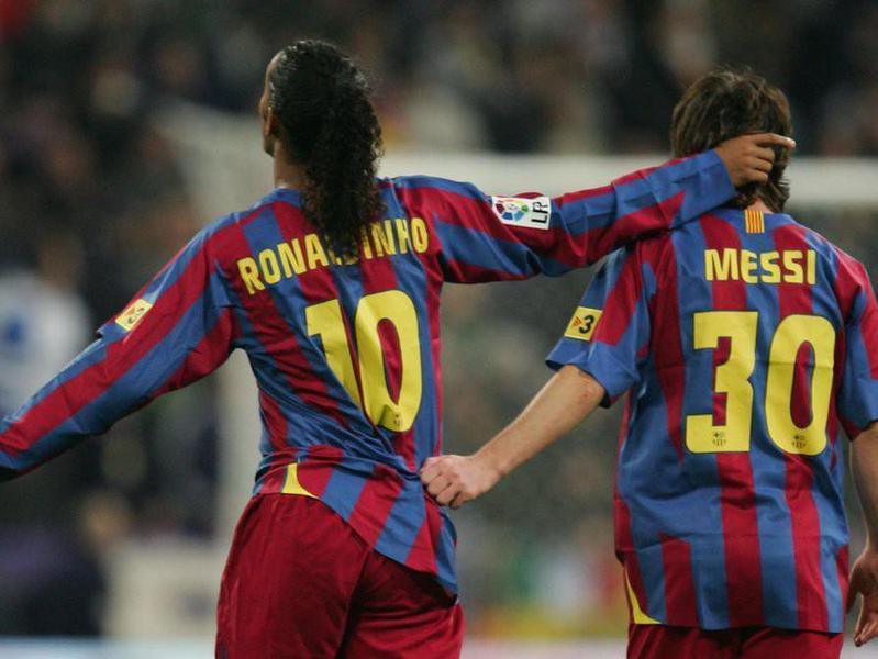 LIonel Messi and Ronaldhino