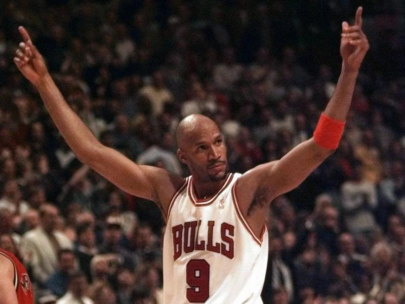 Ron Harper celebrates Chicago Bulls win over Miami Heat