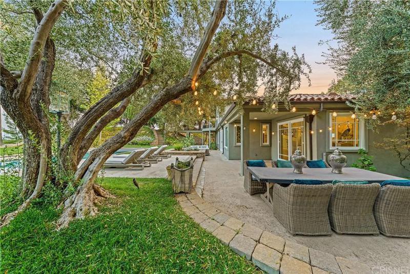 Joe Rogan's old backyard