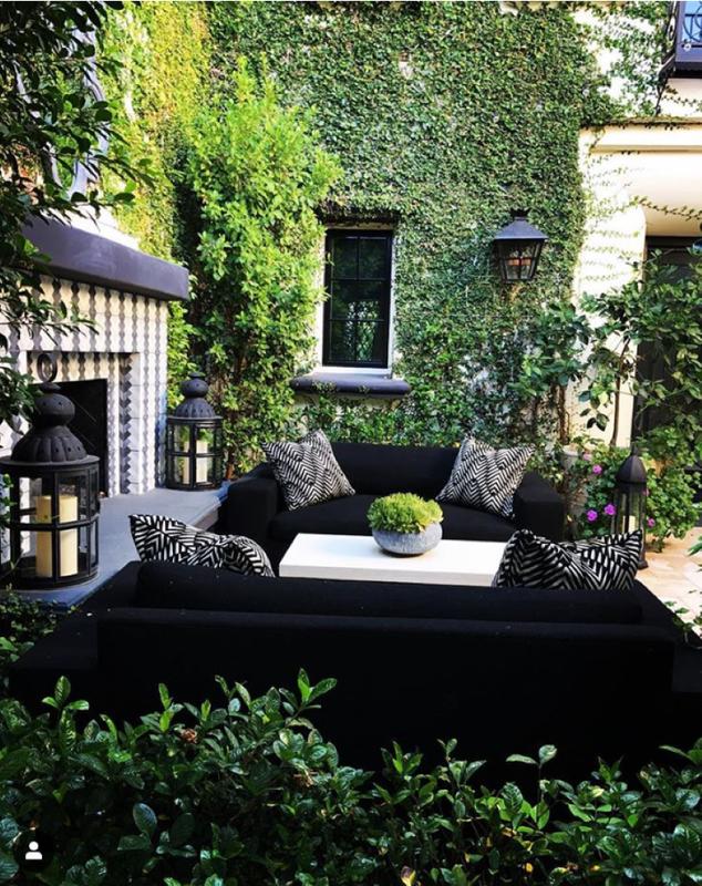 Khloe Kardashian's courtyard