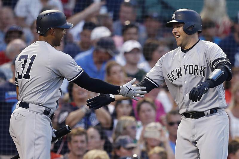 New York Yankees Aaron Hicks and Austin Romine