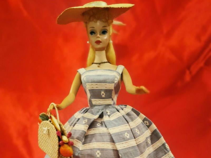 High Color Blonde Ponytail Barbie With Blue Eyeliner
