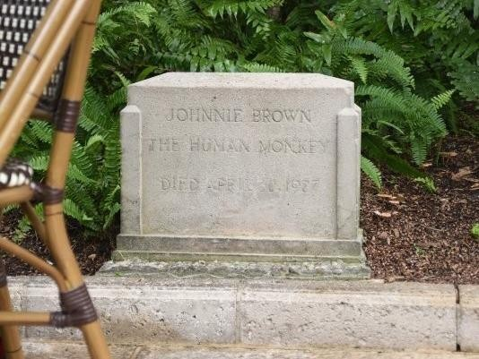 Addison Mizner's monkey grave in Palm Beach, Florida