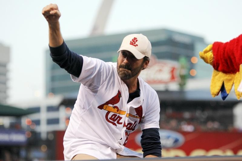 Jon Hamm throws out first pitch at St. Louis Cardinals game