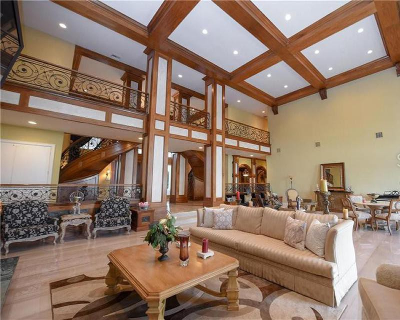 Shaq's great room in his mansion