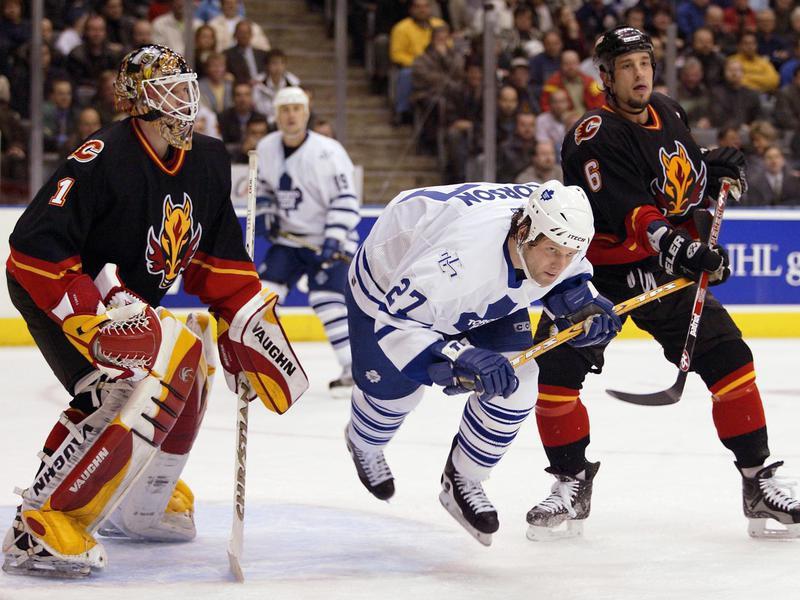 Toronto Maple Leafs left wing Shayne Corson