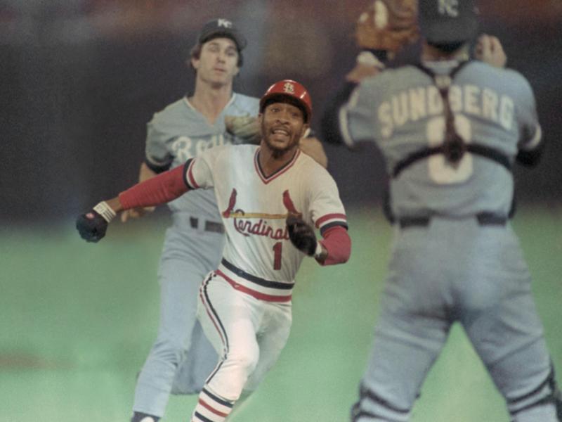 St. Louis Cardinals Ozzie Smith tries to score