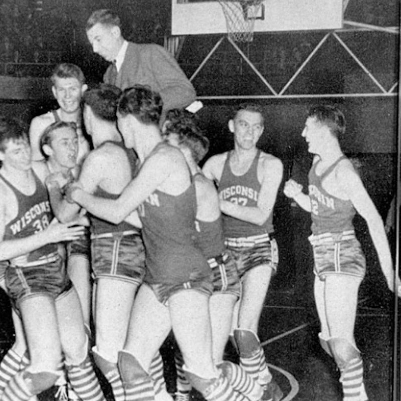 Wisconsin Badgers celebrate win