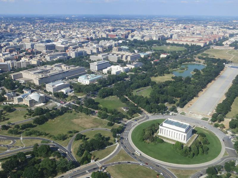 Aerial view of Washington, DC with Lincoln Memorial in the foreground