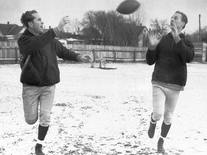 Don Hutson (right) and Cecil Isbell