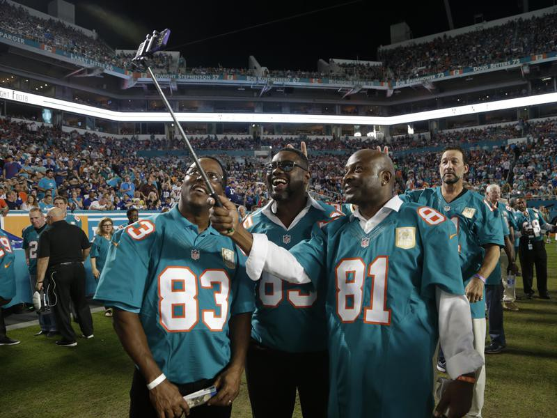 O.J. McDuffie, Mark Clayton, and Mark Duper take a selfie