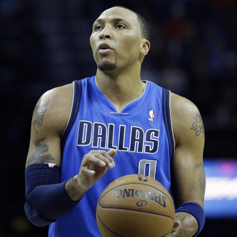 Shawn Marion prepares for free-throw