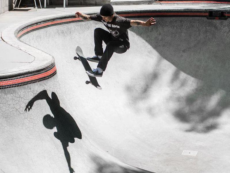 Geoff Rowley skating