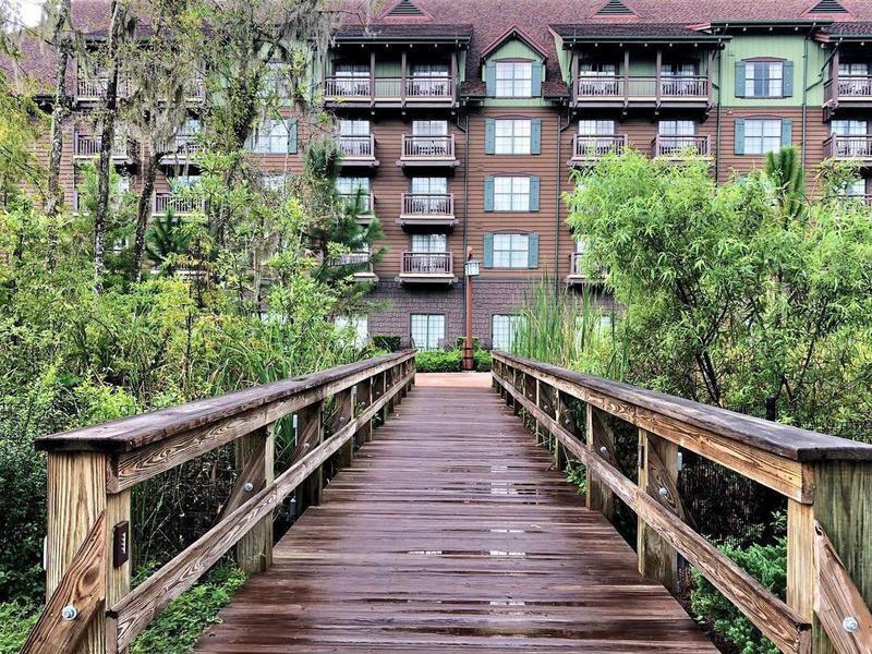 Walkway to Disney's Wilderness Lodge