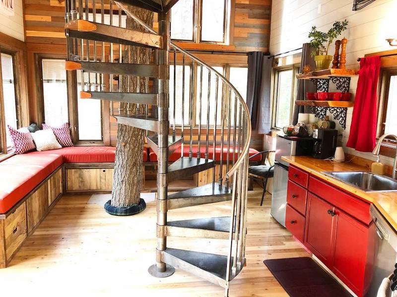 Montana Treehouse Retreat interior