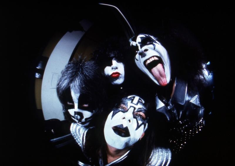 Kiss in 1977