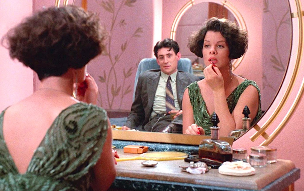 Gabriel Byrne and Marcia Gay Harden in Miller's Crossing