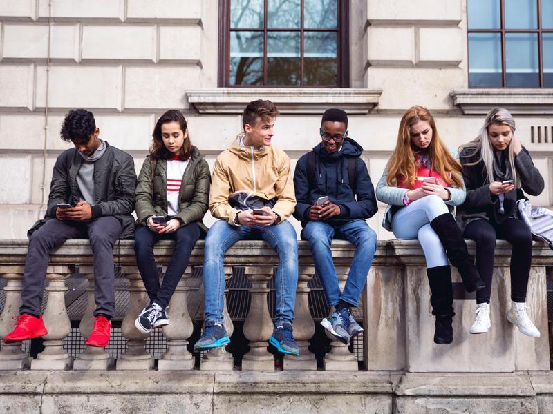 teenager cellphones