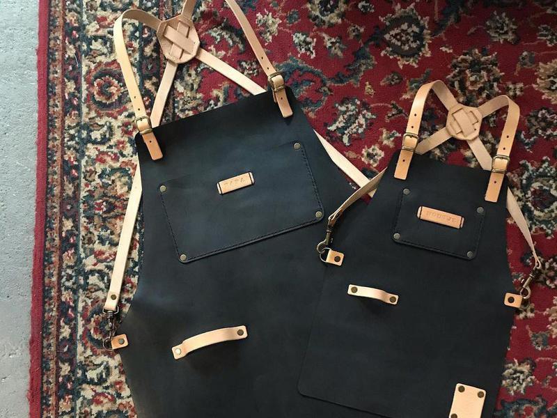 Set of aprons