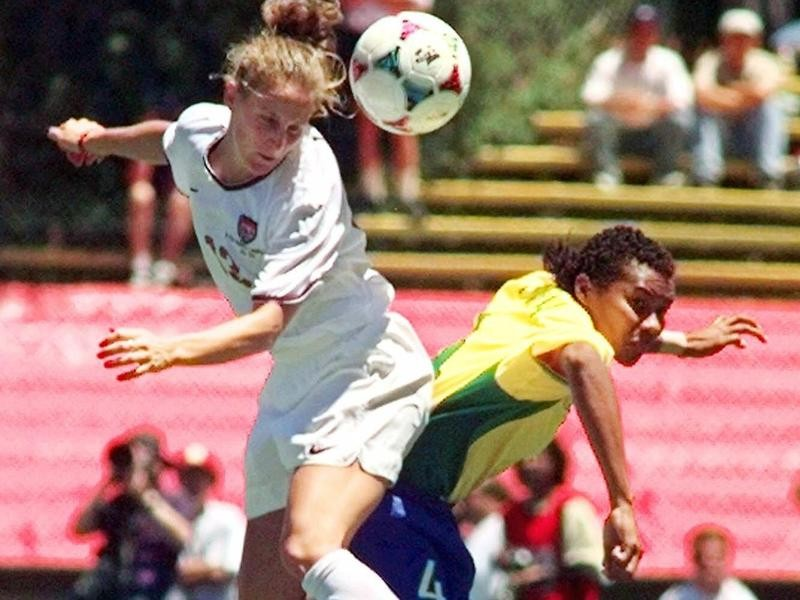 USWNT midfielder Kristine Lilly
