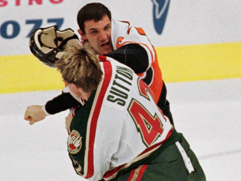 Philadelphia Flyers left wing Gino Odjick