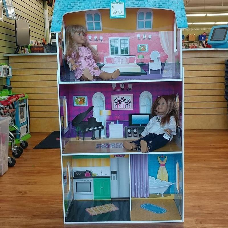 Kirsten American Girl doll in dollhouse