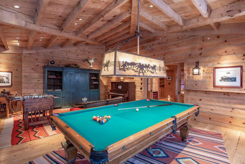 Game room in Tom Cruise's mansion