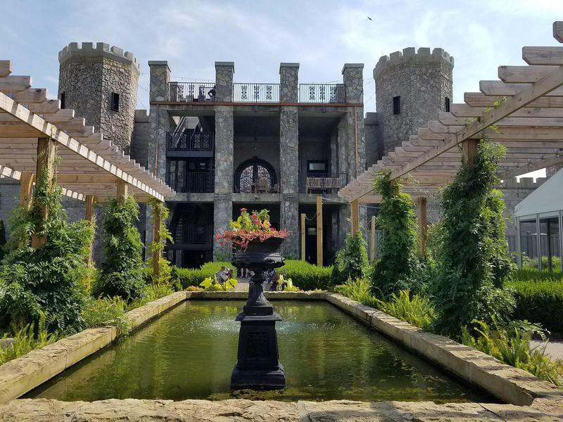Kentucky Castle courtyard