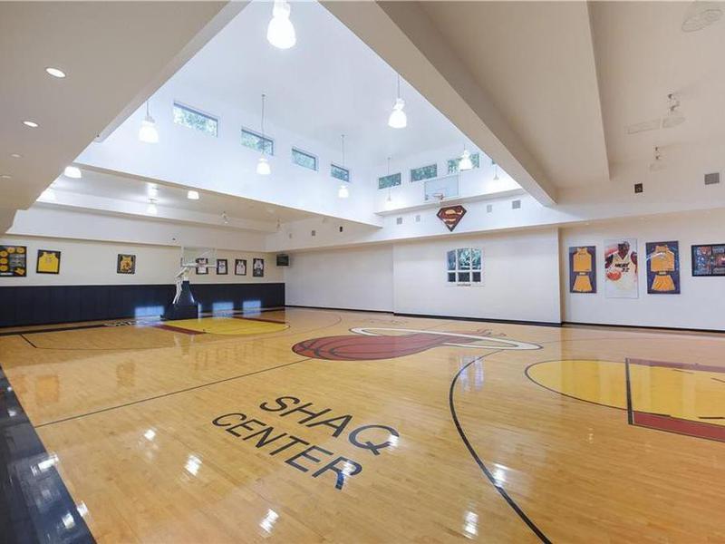 Shaq Center basketball court