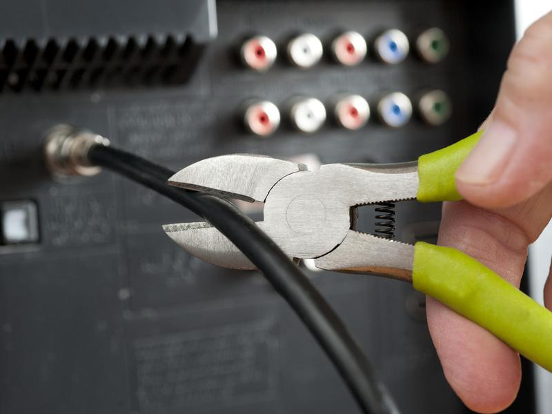 Getting Past Cable TV: Why It Might Be Time to Cut the Cord | Work + ...