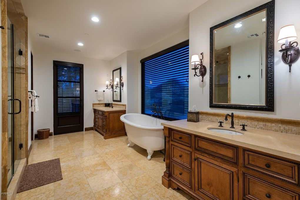 Mater bathroom with freestanding tub