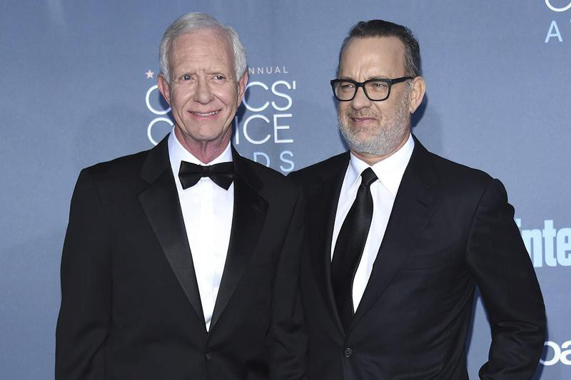 """Captain Chesley """"Sully"""" Sullenberger and Tom Hanks"""