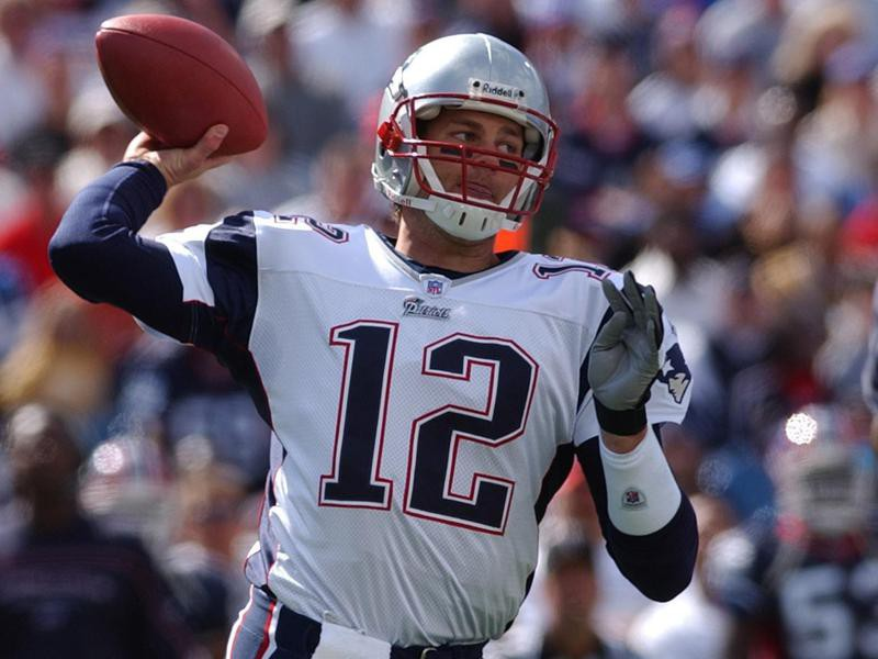 New England Patriots quarterback Tom Brady throws during second half