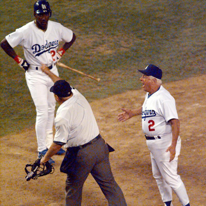 Tommy Lasorda gets thrown out