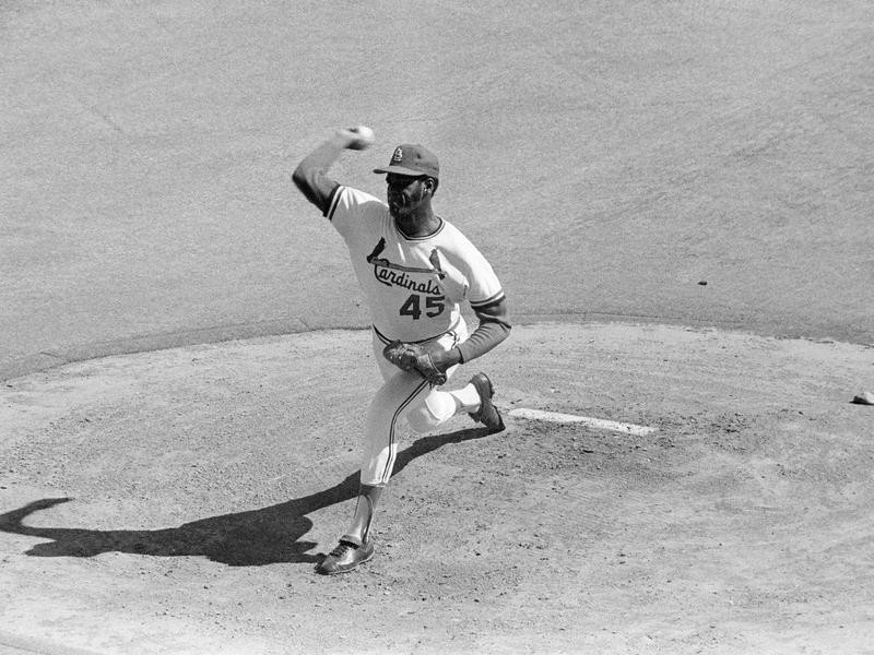 St. Louis Cardinals' Bob Gibson makes first pitch