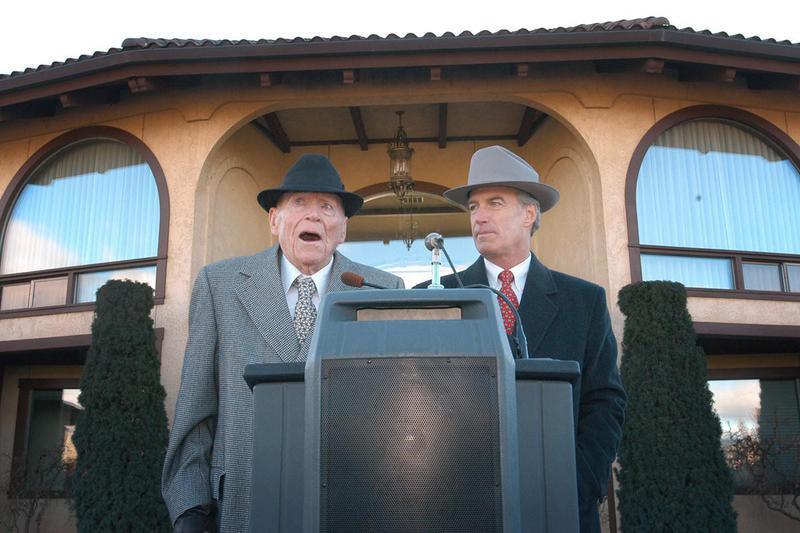 J.R. Simplot (left) and Idaho Gov. Dirk Kempthorne