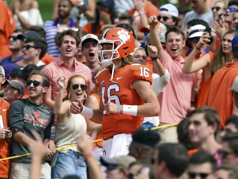 """Clemson Tigers Trevor Lawrence runs down """"The Hill"""""""