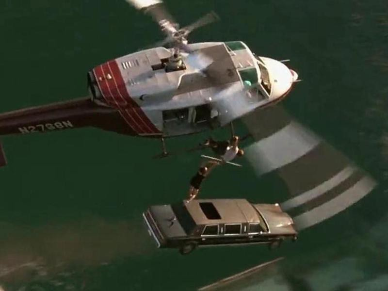 Jamie Lee Curtis Being Rescued From a Limo