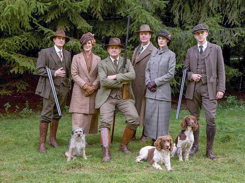 Samantha Bond, Hugh Bonneville, Iain Glen, Nigel Havers, Dan Stevens, and Michelle Dockery in Downton Abbey (2010)