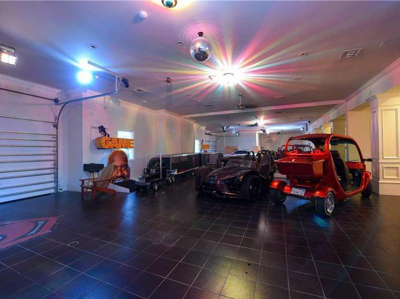 Shaq's strange garage