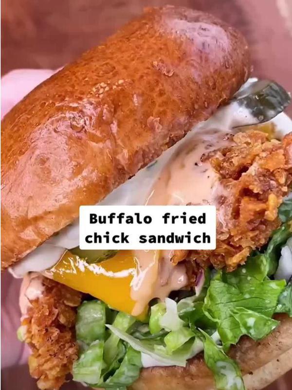 Buffalo fried chicken sandwich recipe
